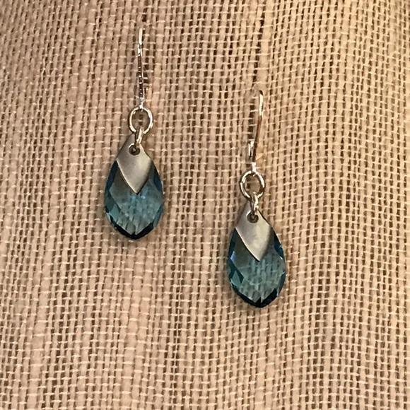 Swarovski Jewelry - Beautiful Swarovski Crystal and Metallic Earrings